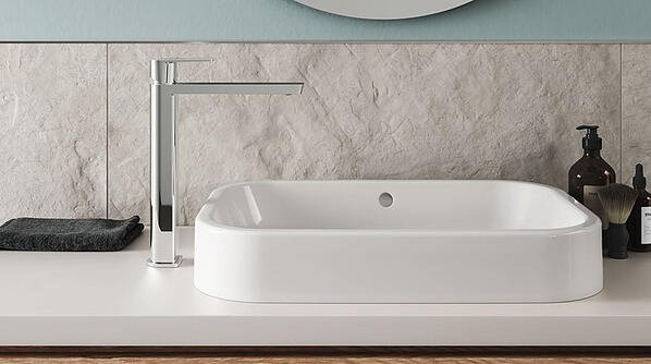 When the faucet is installed next to the vessel sink (no existing installation hole), choose a faucet with higher XL body