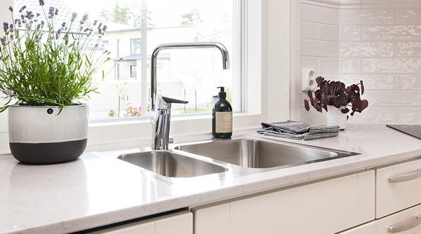 Kui köögis on kaheosaline valamu, valige kindlasti pööratava jooksutoruga köögisegisti.