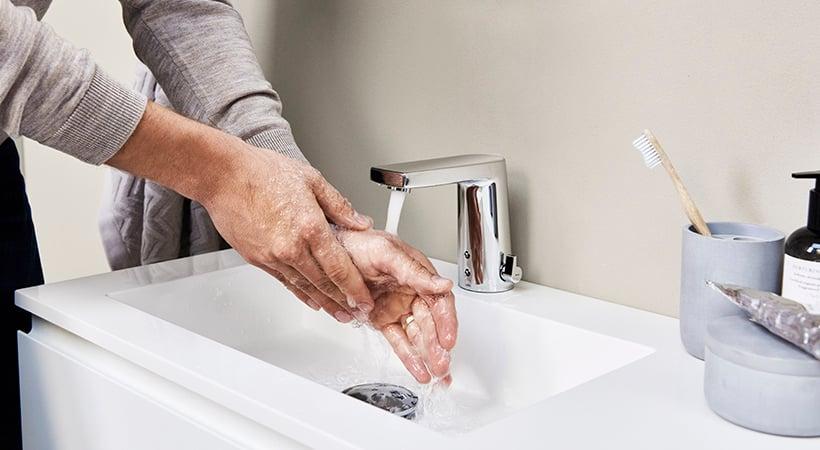 Berøringsfri armaturer forhindre effektivt spredning af bakterier.