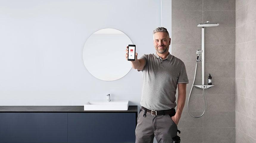 Justeringen med Bluetooth funktionen gør det nemmere for installatøren.