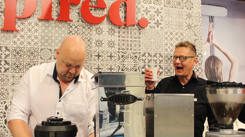 Kasper Thomsen og Anders Barrit sørgede for god kaffe og underholdning.