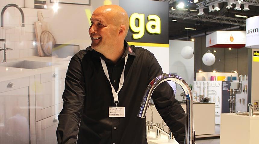 Michael Riis mødte alle kunder med højt humør