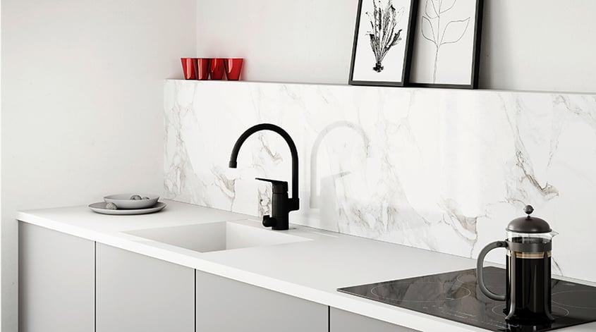 Serien Oras Vega innehåller ett brett sortiment för kök och badrum och har nu uppdaterats med modern vattenbesparande teknik.