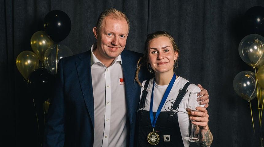 Camilla Cox Barfot med Lars Erik Fossum i Oras