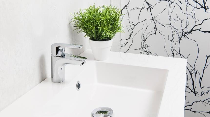 Tvättställsblandare Oras Swea 1510F med kallstartskassett och eco-flöde.