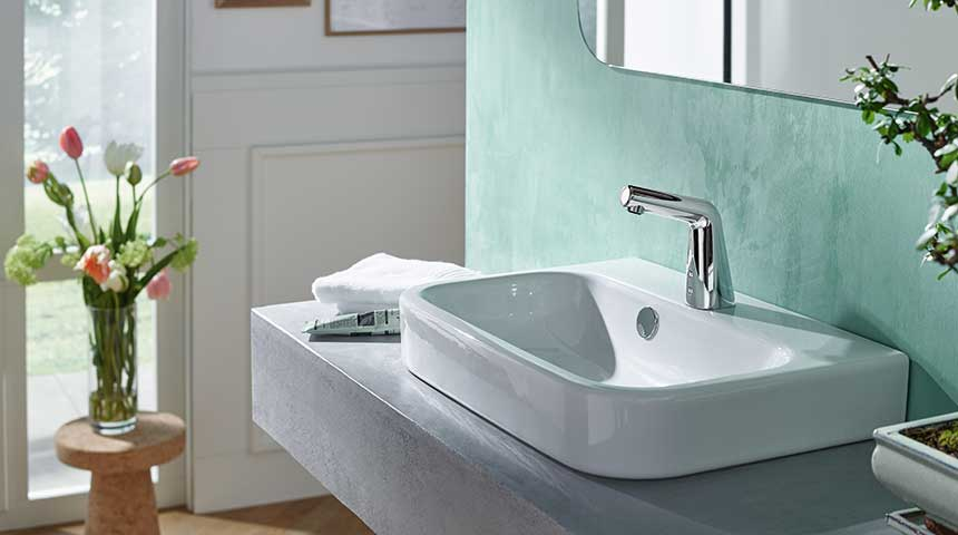 Oras-Inspera_HANSADESIGNO-touchless-faucet-has-elegant-design-and-saves-water_860x480