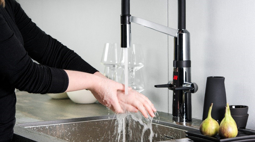 How Hybrid faucets can solve all your kitchen needs