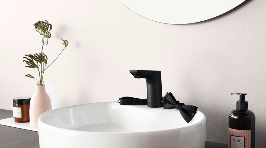 Considering black faucets? Here's how to pick the right one